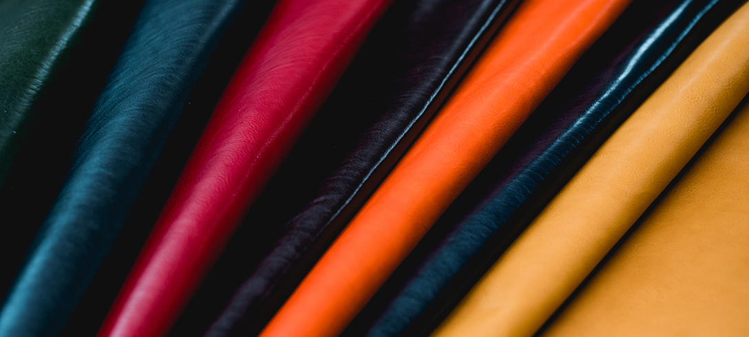 Cuir - Maroquinerie à tannage végétal de couleurs